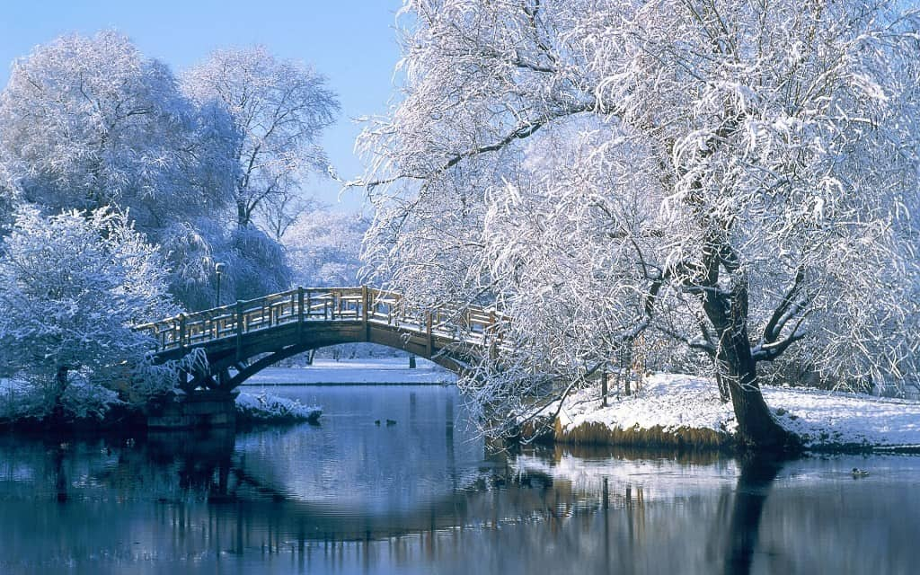 25 Beautiful Winter And Christmas Wallpaper For Desktops